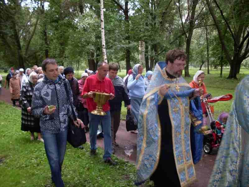 http://www.200hramov.ru/images/gallery/news/ext/b_1375446833.jpg