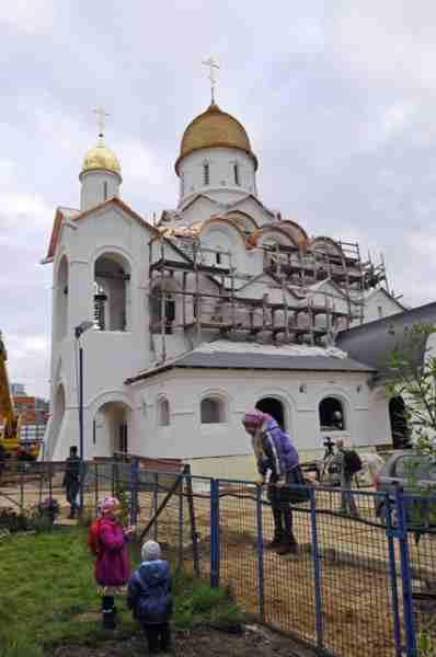 http://www.200hramov.ru/images/gallery/news/ext/b_1443023241.jpg