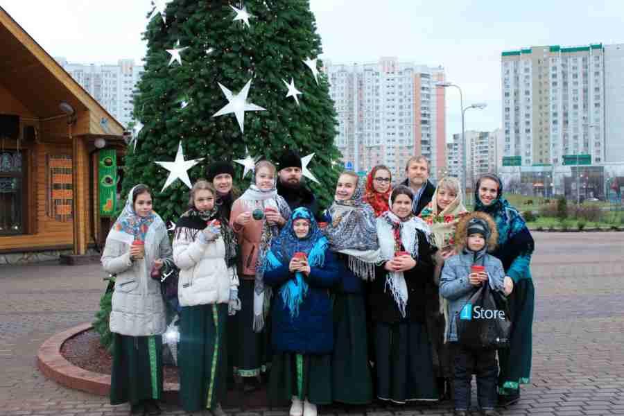 http://www.200hramov.ru/images/gallery/news/ext/b_1451250059.jpg