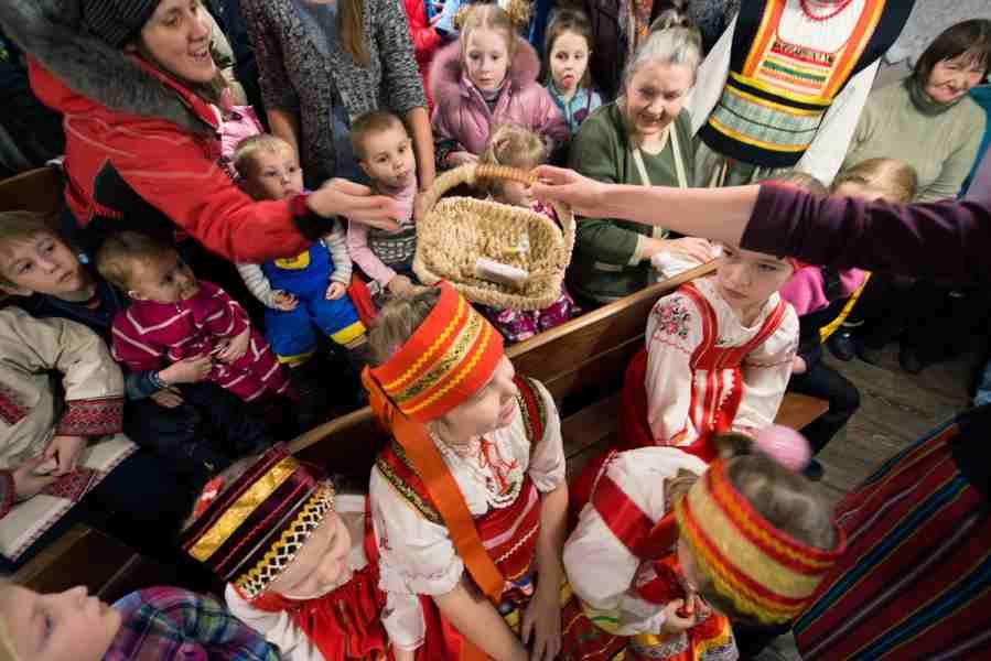 http://www.200hramov.ru/images/gallery/news/ext/b_1453151377.jpg
