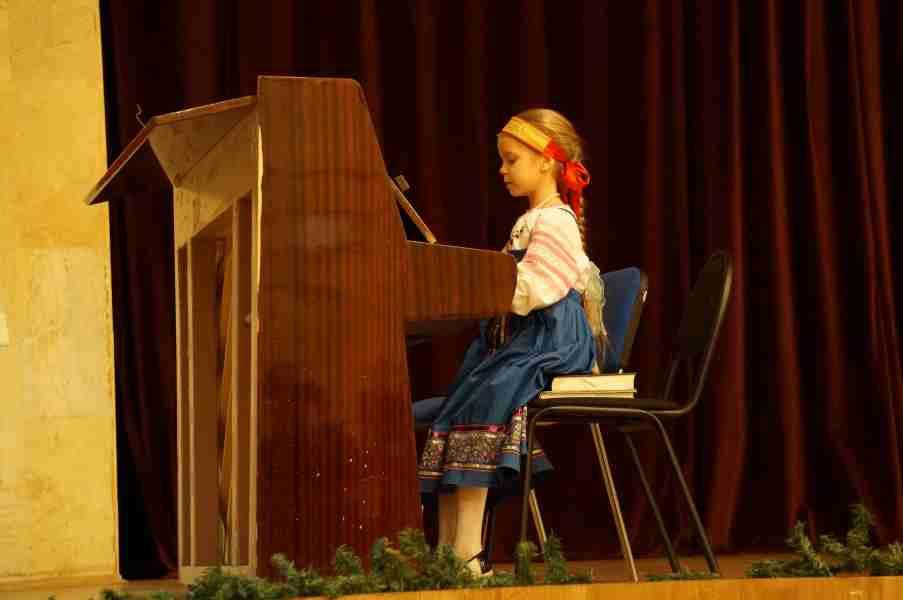 http://www.200hramov.ru/images/gallery/news/ext/b_1453412076.jpg