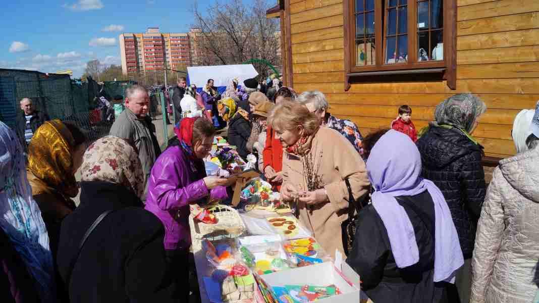 http://www.200hramov.ru/images/gallery/news/ext/b_1461692305.jpg