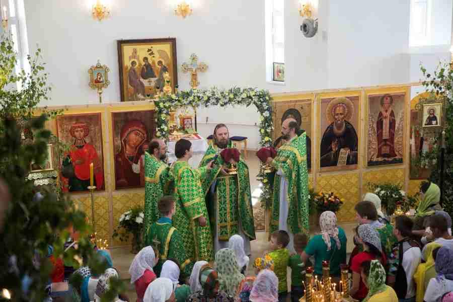 http://www.200hramov.ru/images/gallery/news/ext/b_1466632878.jpg